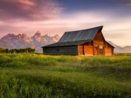 Talks in Columbus on Oct. 24 and 25 will look at protecting grizzly bears and sustainably managing ranchlands. (Photo: Grand Teton National Park by Dean Fikar from iStock.)